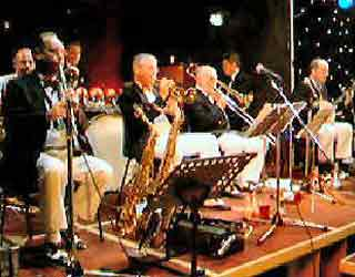 Keith Nichols Collegians Bude Jazz Festival 2007  -  click on picture to activate